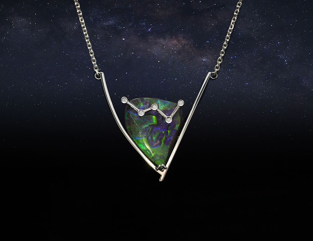 Aurora pendant in 14k white gold, diamonds and ammolite.